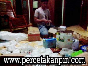 proses-packing-bahan-baku-pin