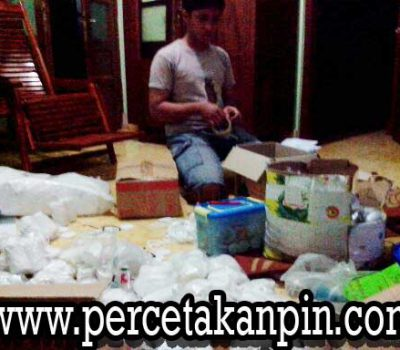 Packing Bahan Pin